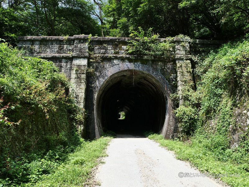 振り返って見た4号隧道