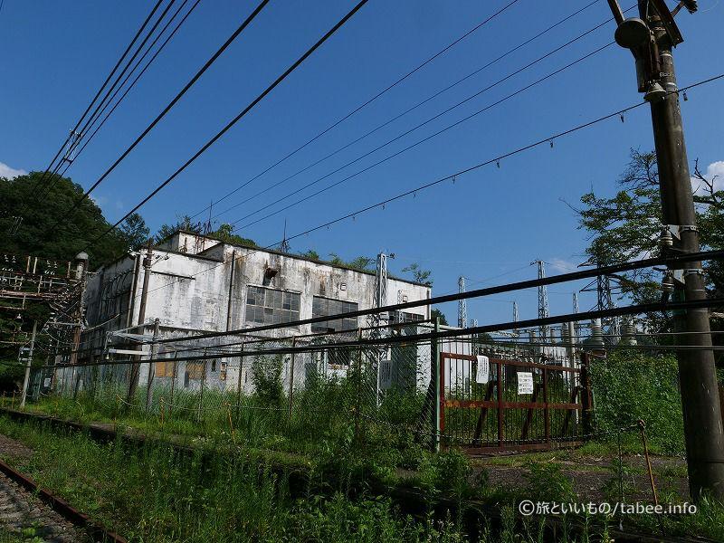 廃墟感のある変電所