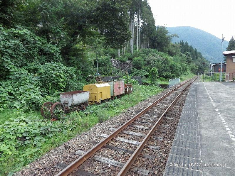 神岡大橋駅ホーム付近
