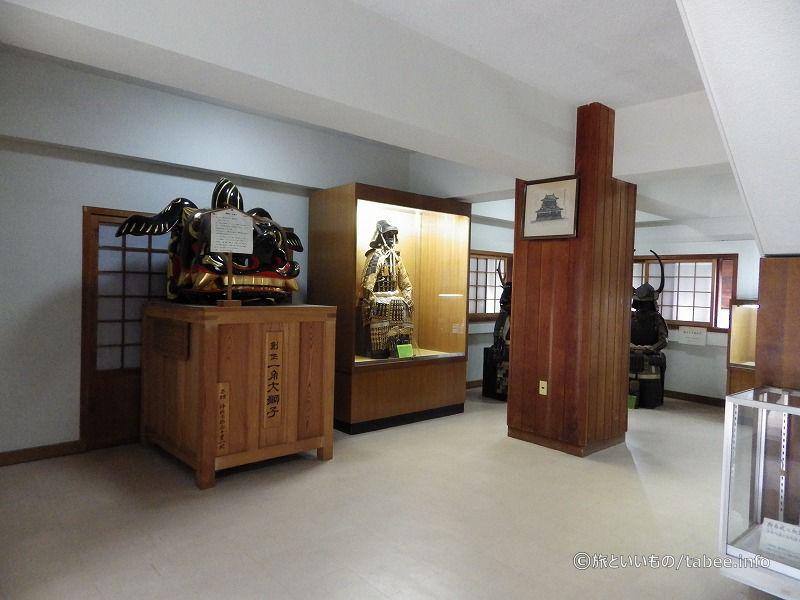 1階は武具や道具の展示