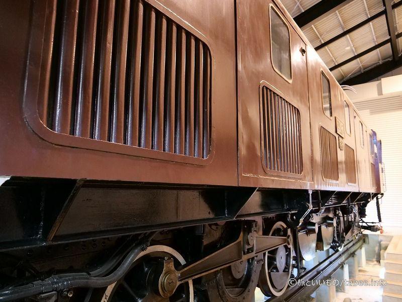機関車の中には入れません