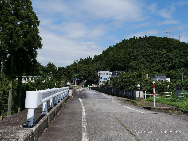 笹津橋道路