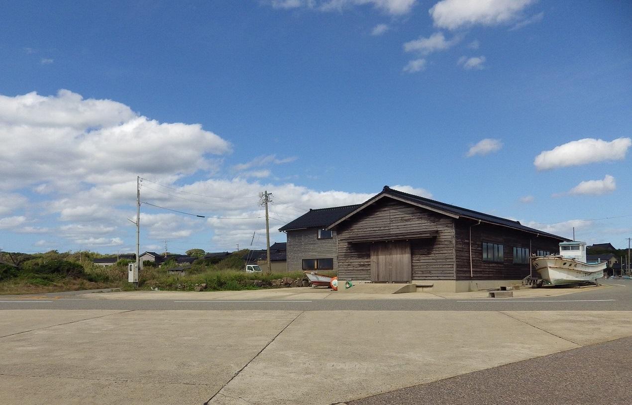石川県の安部家海岸(あぶやかいがん)