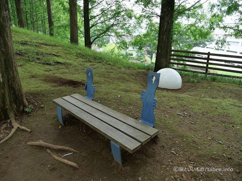 またまた面白いベンチと腰かけ