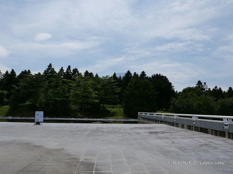 真ん中にうっすら富士山(1階)