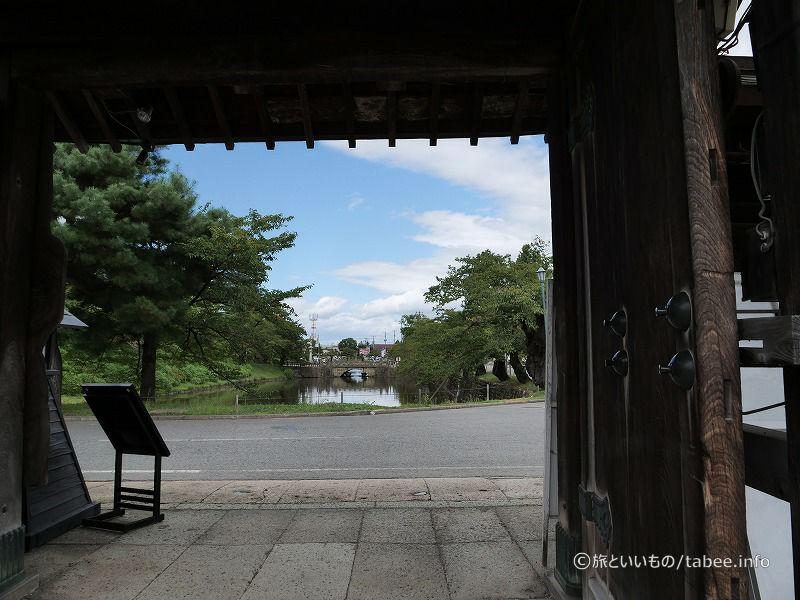 門から眺めた舞鶴橋